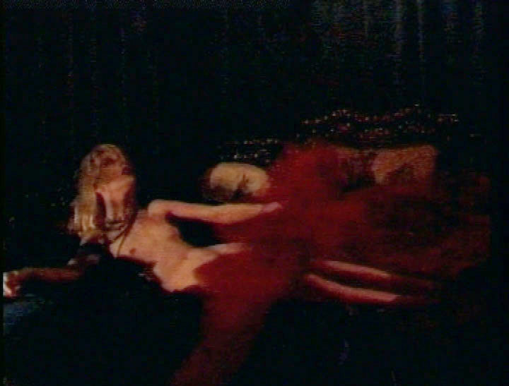 Cendrillon fille nue sur les oignons